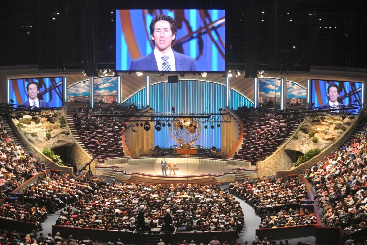 lakewood-church-houstontx-040